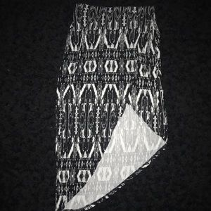 Tribal black&white asymmetrical  skirt